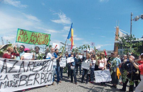 protest-constanta-city-park-mall-evz-465x390 (1)