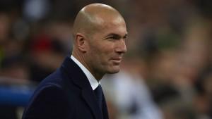 032116 SOCCER Real Madrid Zinedine Zidane PI JW.vresize.1200.675.high.37