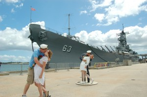 hawaii-pearlharbor-kiss_e3