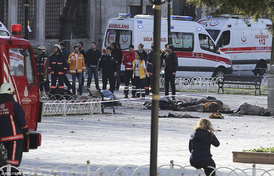 3012DEA300000578-3395311-Bodies_litter_a_central_Istanbul_square_after_an_explosion_rippe-a-30_1452595448198