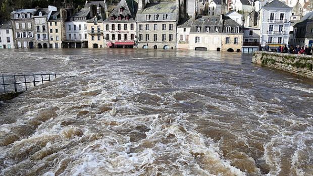 inundatii-franta-antena3.ro_