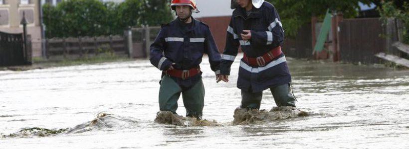 pompieri-inundatii-1-820x300