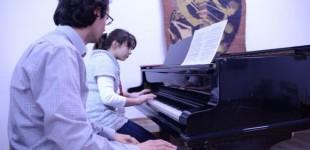 Cursuri de măiestrie interpretativă pianistică oferite de către profesorul Octavian Renea, la Colegiul Național de Arte din Constanța