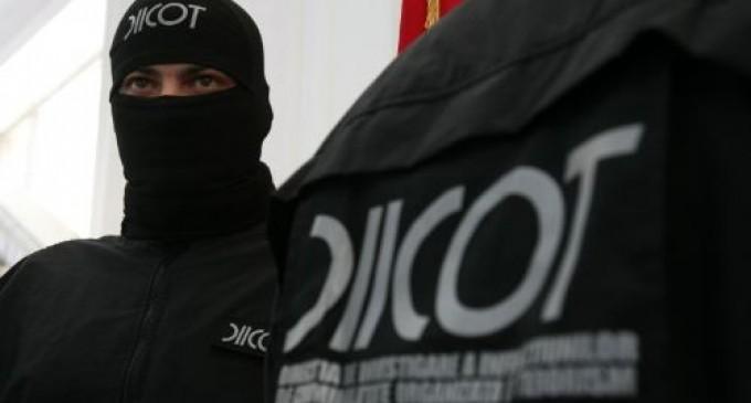 DIICOT-ul a retinut 13 persoane pentru trafic de droguri