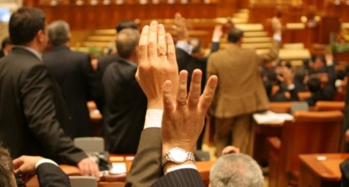 Parlamentarii vor iar superimunitate REVISTA PRESEI