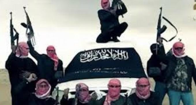 Minori pusi sa-i ajute pe jihadisti la decapitari