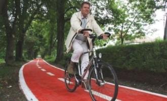 Iohannis recomandă românilor bicicleta REVISTA PRESEI