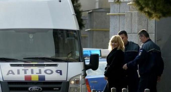 Elena Udrea afla astazi daca scapa de arest