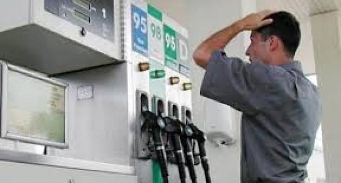 """Românii și petroliștii, sau jocul """"de-a prețul corect"""""""