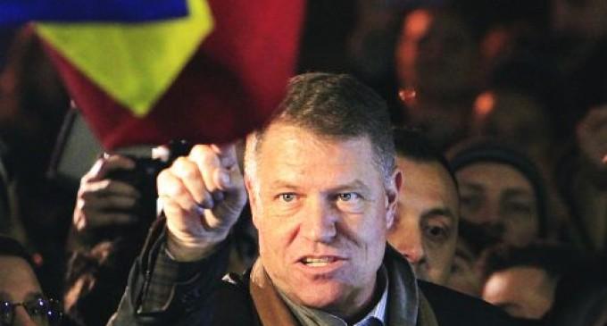 Iohannis nu vrea schimbarea regimului incompatibilităţilor REVISTA PRESEI