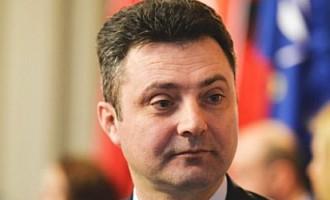 Tiberiu Niţu îi anchetează pe judecătorii CCR pentru invalidarea referendumului din 2012 REVISTA PRESEI