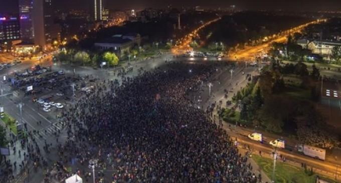 ACTUAL! Protestele s-au aprins în toată ţara şi în diasporă!