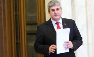 TARDIV ȘI FĂRĂ ONOARE! Gabriel Oprea a demisionat din toate funcţiile deținute!