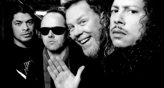 Legendara trupă Metallica omagiază victimele atentatului de la Paris lansând un album înregistrat la Bataclan!