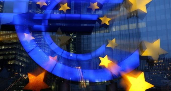 ANALIZĂ! Este moneda euro condamnată la moarte? Se pare ca da, iar jocul se face în afara zonei Euro!