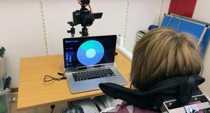 INEDIT!Un cercetător danez revoluționează modul de a compune muzică cu ajutorul ochilor și expresiei feței!