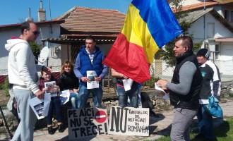 ÎMBUCURĂTOR! O mișcare de protest împotriva centrului pentru refugiați din Vama Veche a mobilizat societatea civilă !