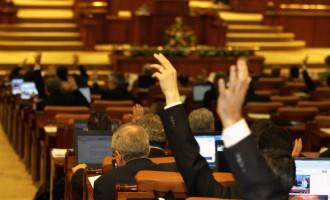 Camera Deputaţilor a respins reexaminarea legii privind indemnizaţiile speciale acordate aleşilor locali!