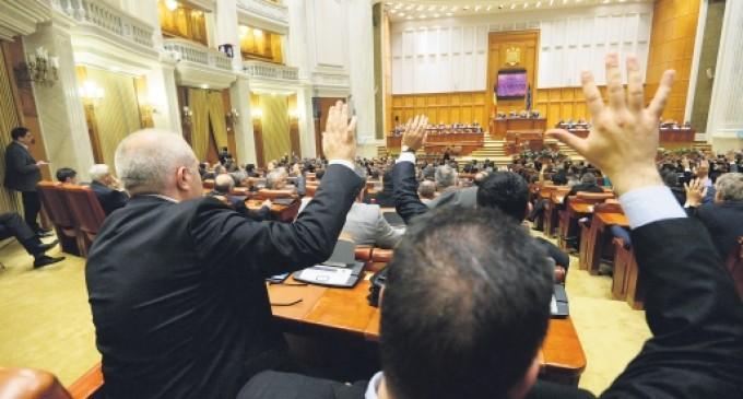 Senatul a adoptat ordonanța care îi avantajează pe plagiatori