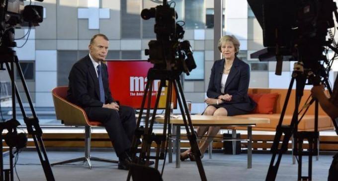 Theresa May vrea ieșirea din UE până în martie 2017