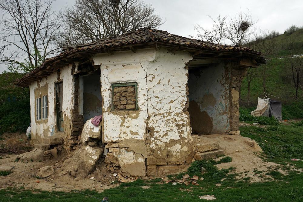 de-ce-satul-romanesc-e-pe-moarte-132-1461760895-size_1000