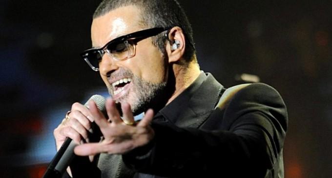 Superstarul pop George Michael a trecut la cele veșnice la numai 53 de ani