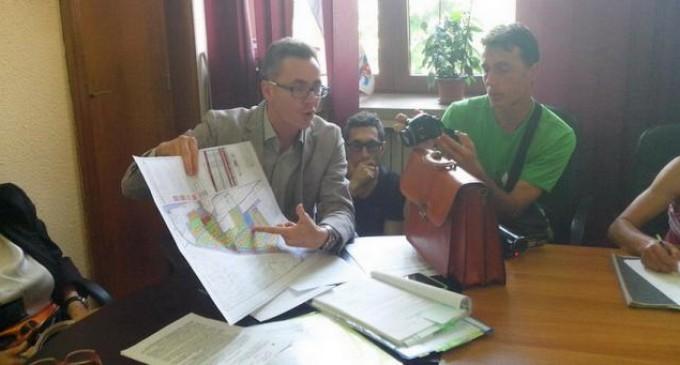 """Constanta: Un bloc de 11 etaje construit ilegal, """"daramat"""" de avocatul Ion Stelian-Cristian. Teren de 500 mp cumparat de la Mazare cu 5700 euro, in rate"""