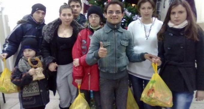 Asociația MicNews.ro a adus zambetul pe buzele a sute de copii defavorizati