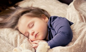 Somnul la copii, de ce culcatul tarziu reprezinta un pericol major