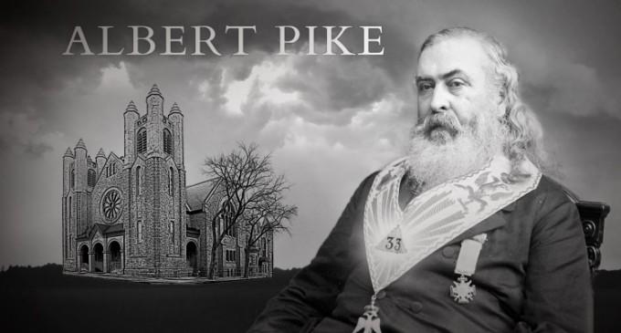 Albert Pike și Cavalerii Ku Klux Klan