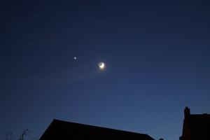 moon-and-venus-20070519