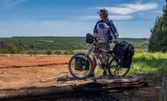Povestea primului român care traversează Africa pe bicicletă