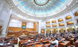 Moțiunea de cenzură împotriva Guvernului Grindeanu a fost respinsă de către plenul Parlamentului României