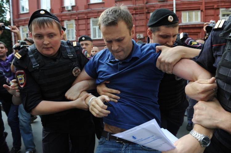 Alexei-Navalny-arrested