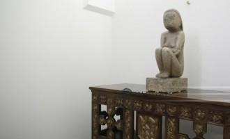 """Klaus Iohannis stopează demersul achiziţiei sculpturii """"Cuminţenia pământului"""""""