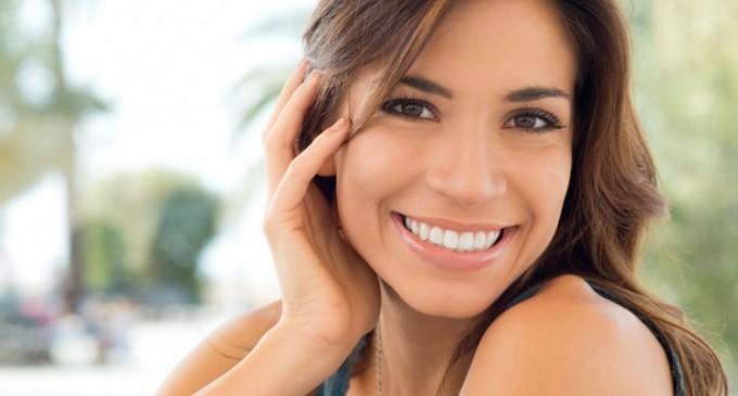 Obtine zambetul perfect cu fatete dentare ceramice de calitate