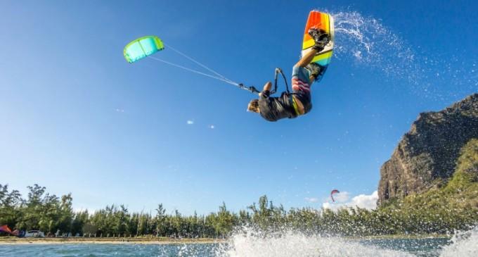 Top 5 informații esențiale pentru achiziționarea unei plăci de kitesurfing