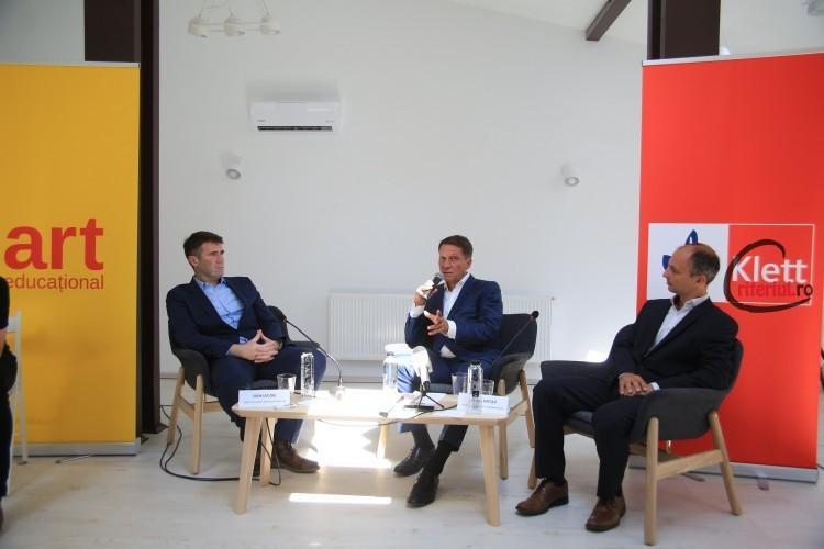 De la stânga la dreapta Dan Iacob, director general Grupul Editorial Art, Philipp Haussmann (Germania), CEO Klett Gruppe și Bojan Vrtaç (Slovenia), CFO Klett Gruppe Europa de Est Credit foto Cătălina Filip