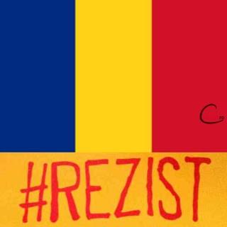 Tricolor #REZIST