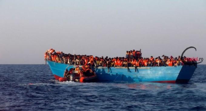 Italia amenință că va închide porturile pentru vasele care transportă migranții salvați din Marea Mediterană