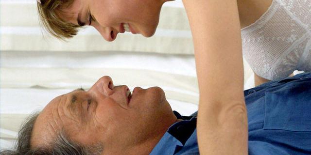 TOP 3 motive pentru care femeile prefera barbatii mai in varsta