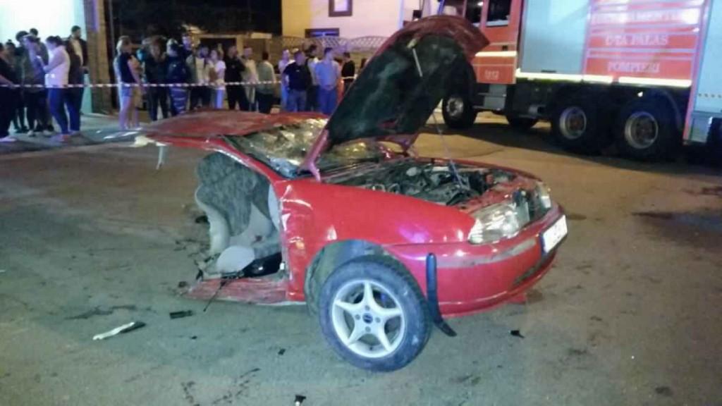 accident-grav-in-zona-cet-impact-violent-intre-doua-autoturisme-doua-persoane-ranite-galerie-foto-143543