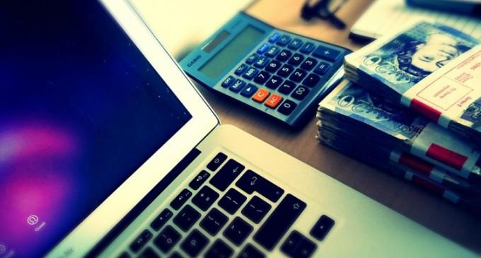 Ce avantaje avem la accesarea unui împrumut online