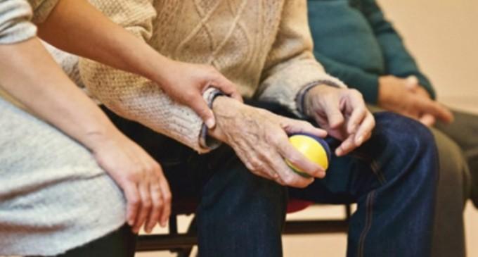 Boala Parkinson: cauze, simptome si metode de tratament