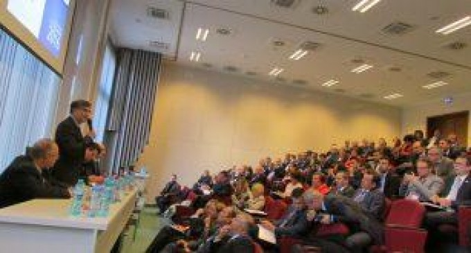 Agramatul mediu academic al României