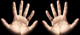 Maini cu cate 6 degete