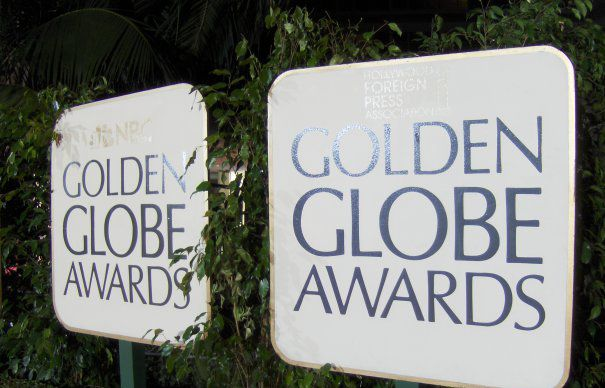 golden-globe-awards-signs-465x390