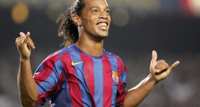 OFICIAL! Celebrul fotbalist brazilian Ronaldinho se va retrage din activitate