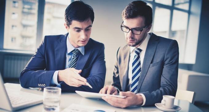 STUDIU: Pentru 3 din 5 angajati SIGURANTA la locul de munca primeaza