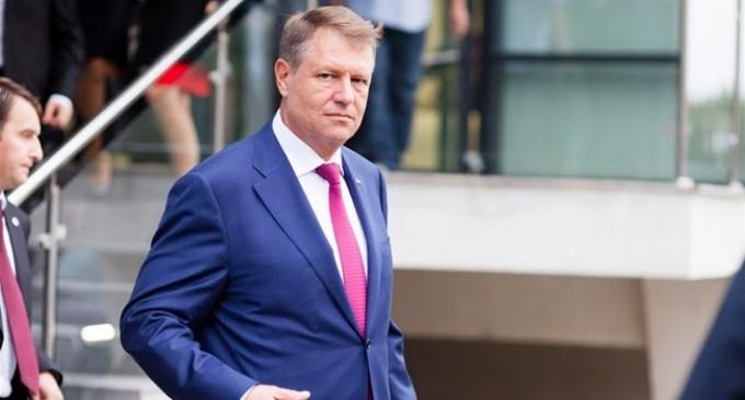 """Președintele României Klaus Iohannis a discriminat """"nişte penali"""" şi a fost amendat cu 2000 de RON de către CNCD"""